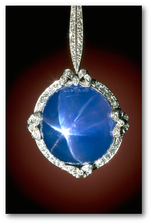 Close-up photograph by Chip Clark of a star sapphire necklace (G8887) from the Smithsonian's National Gem Collection